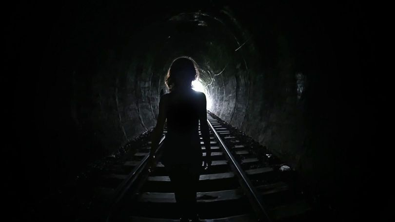 emi - nde - tunel