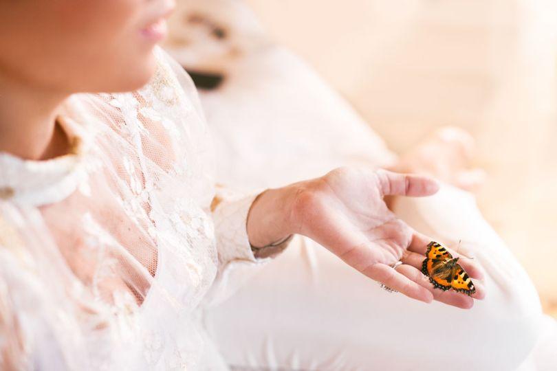 Mariée - Main - Papillon