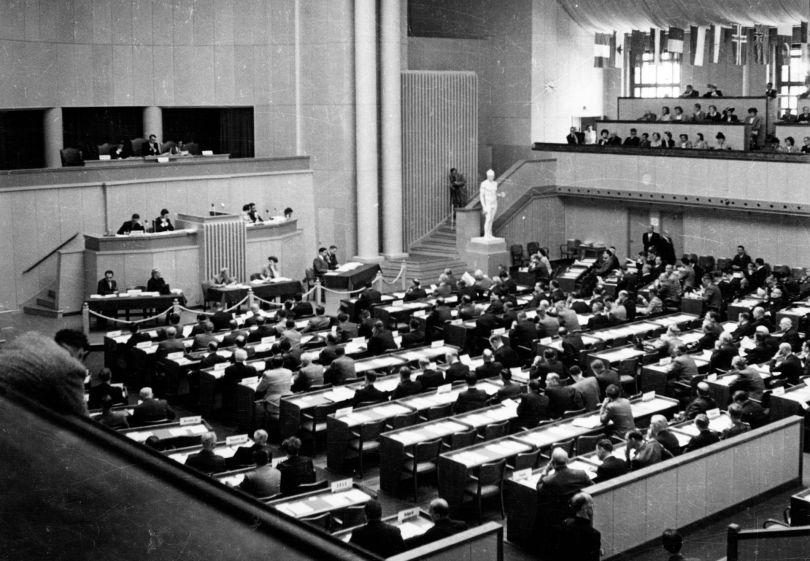 Conférence diplomatique de révision de la Convention de Genève - 12.08.1949 - Genève, bâtiment électoral
