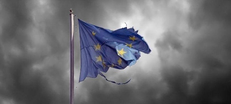 Flag- Drapeau européen - Déchiré
