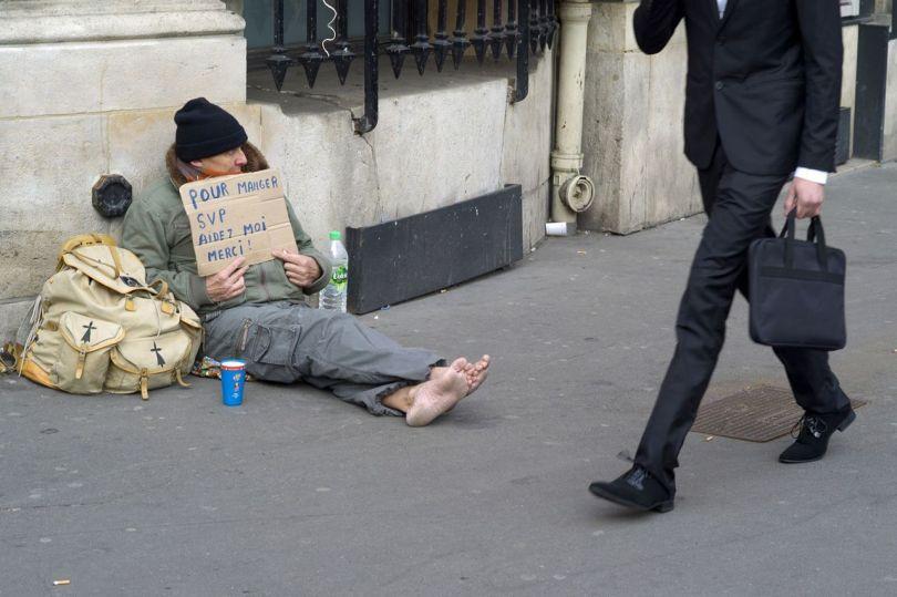 Homme mendiant - Homme riche