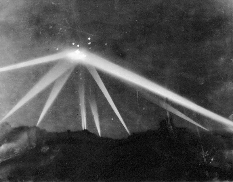 UFO - LA - 1942 - 1