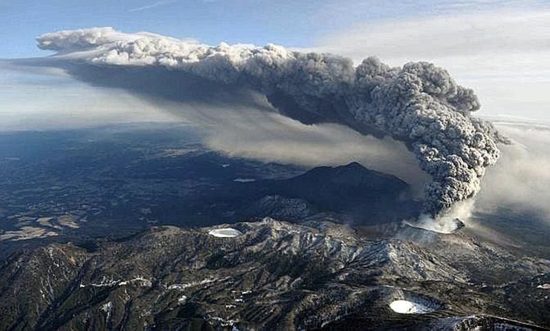 Eruption - Mont Shinmoedake - Japon