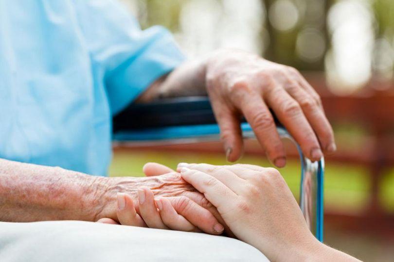 Mains - Personne âgée