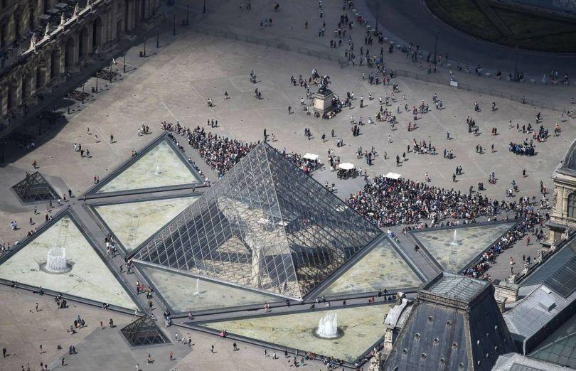 Pyramide du Louvre - Vue du ciel