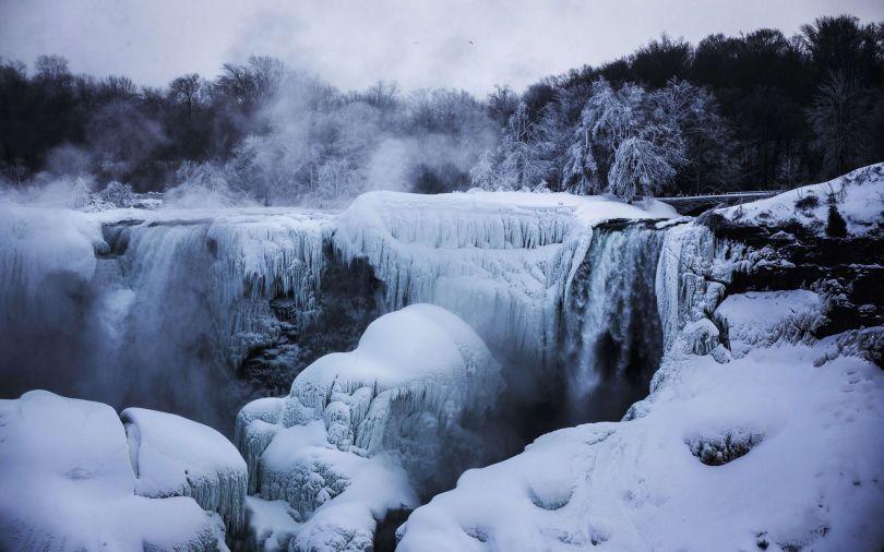 Niagara Falls Frozen - 1
