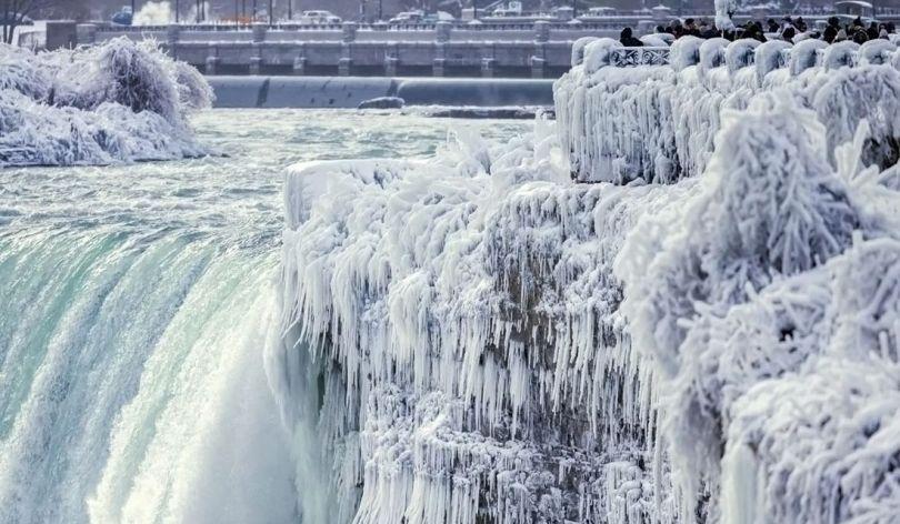 Niagara Falls Frozen - 10