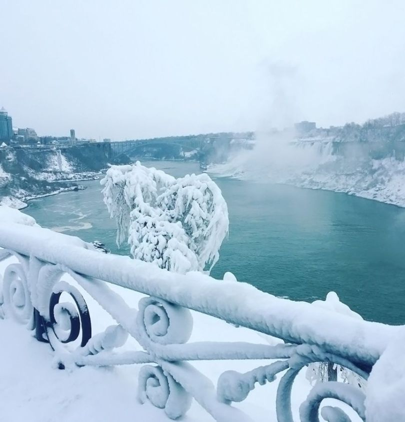 Niagara Falls Frozen - 11