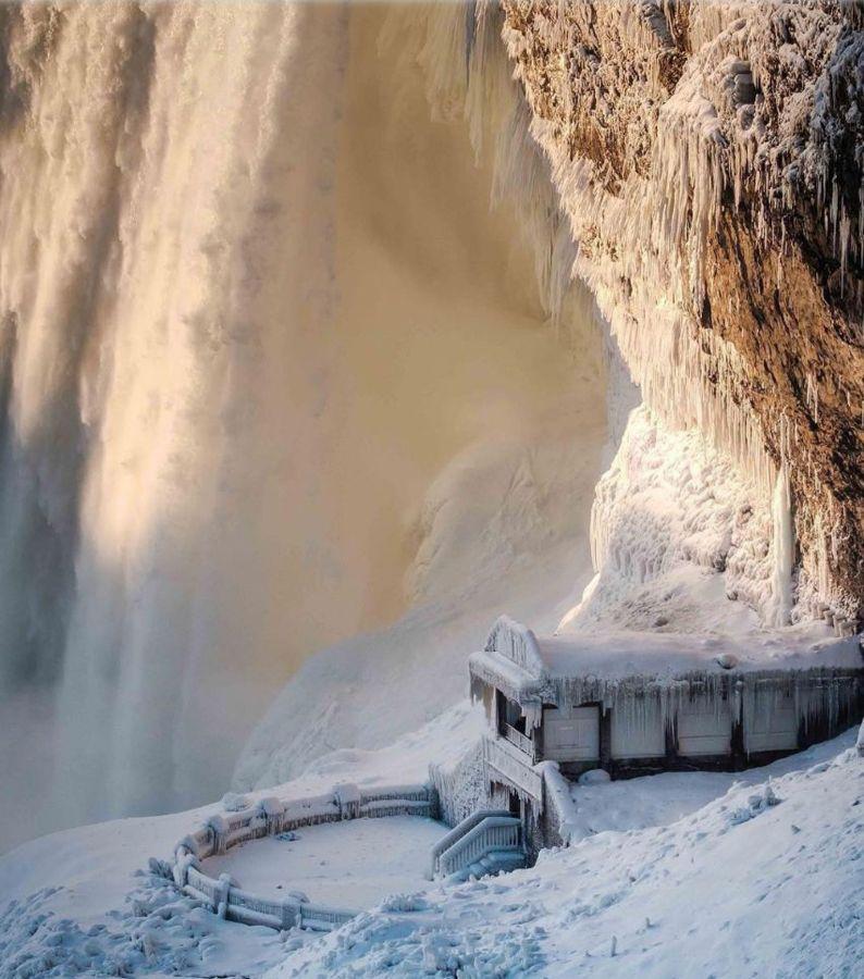 Niagara Falls Frozen - 13