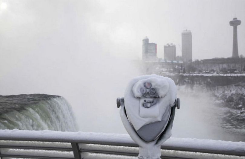 Niagara Falls Frozen - 17
