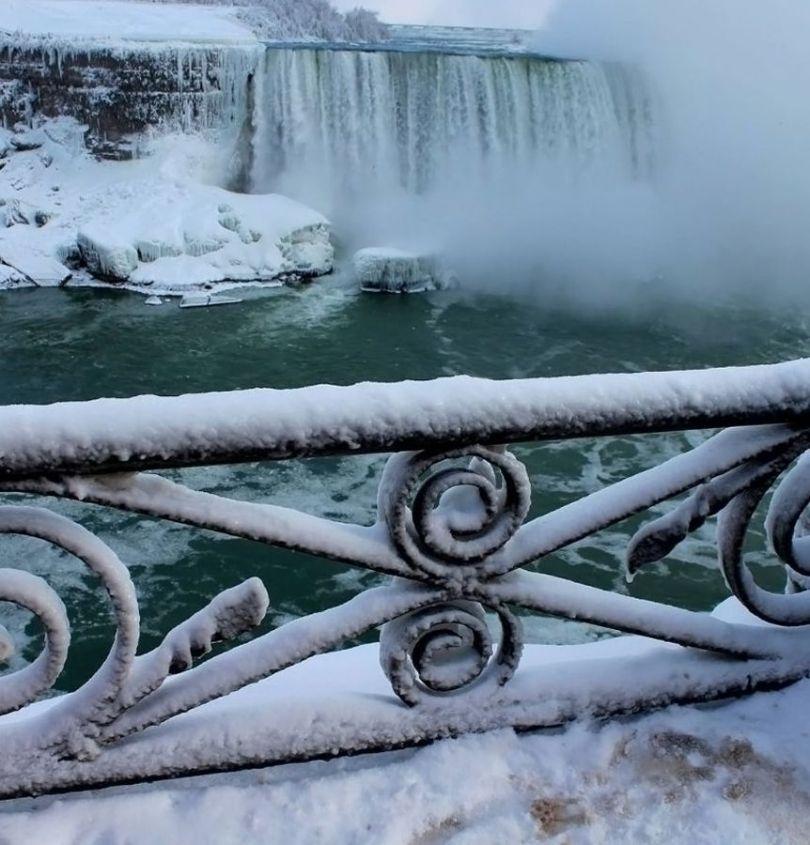 Niagara Falls Frozen - 9