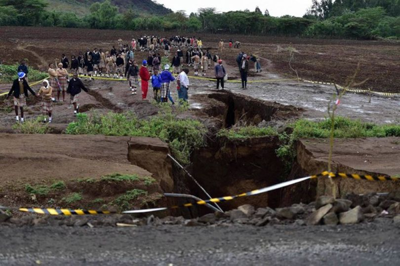 Vallée du Rift – Kenya – Enorme fissure - 4