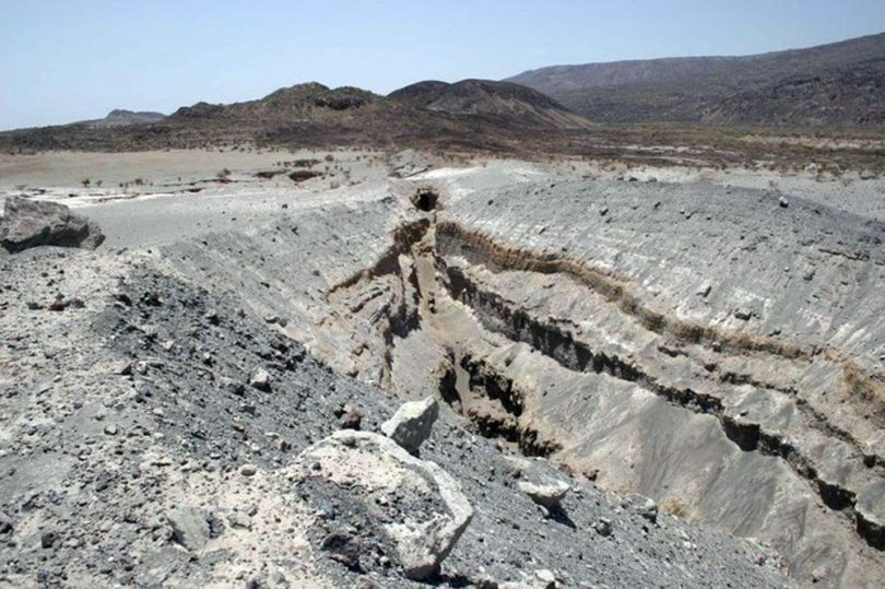 Vallée du Rift – Kenya – Enorme fissure - 6