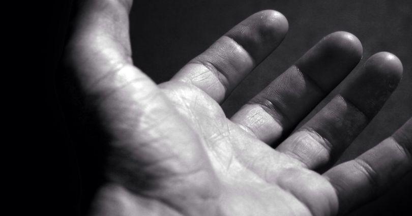 Maint tendue - Hand