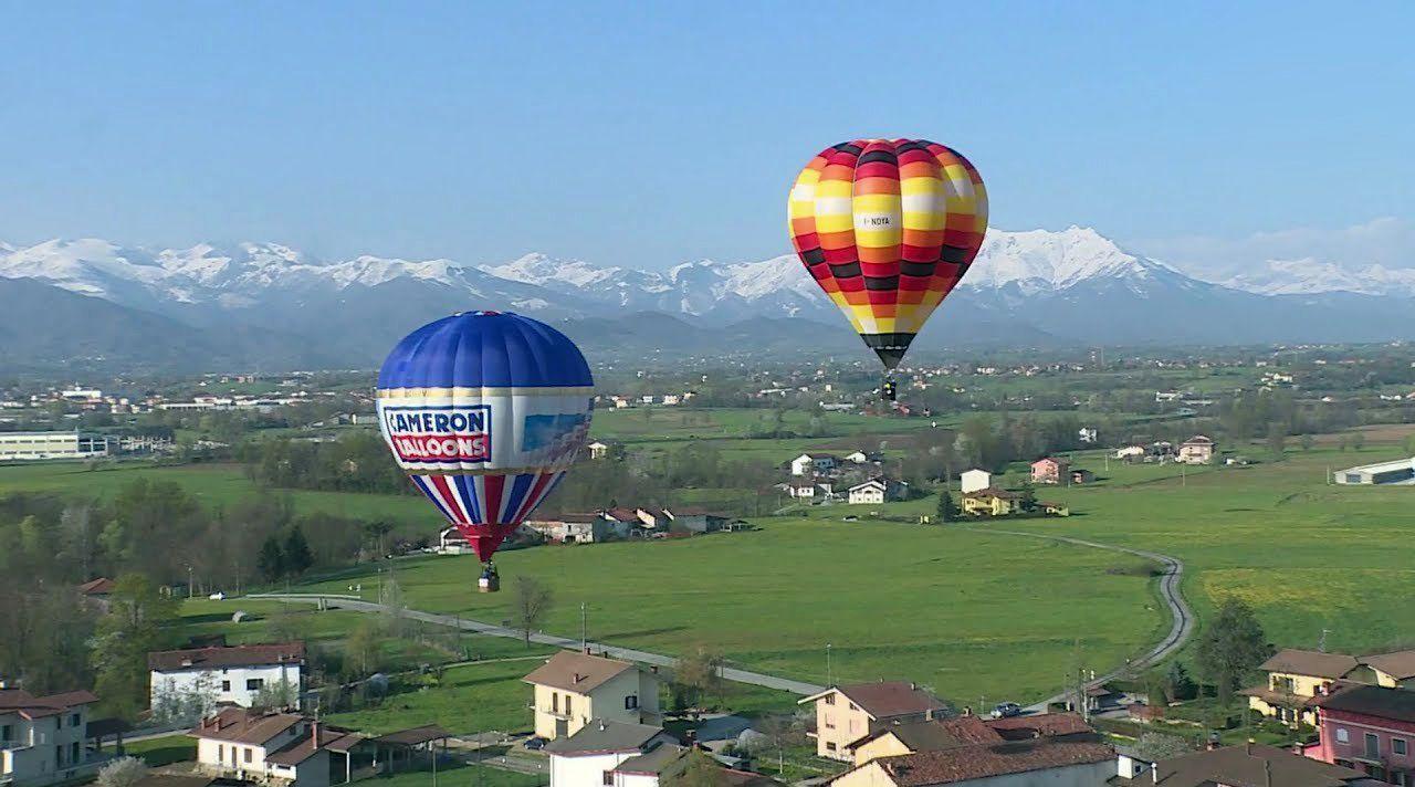 Italie : Ici, les montgolfières servent à traquer les pollueurs (Vidéo)