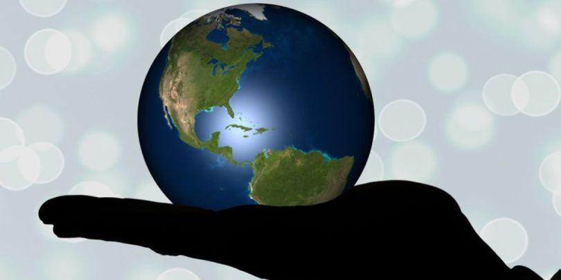 Planète Terre - Main
