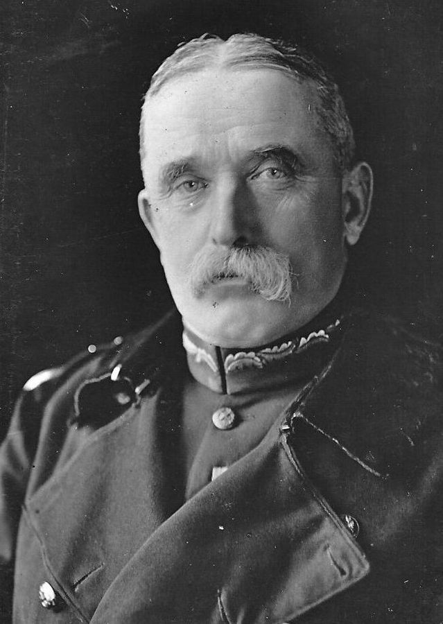 Sir John French ( 1852-1925 )
