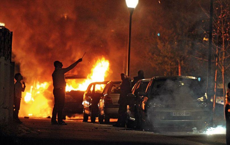 Violences urbaines – Voiture brûlée