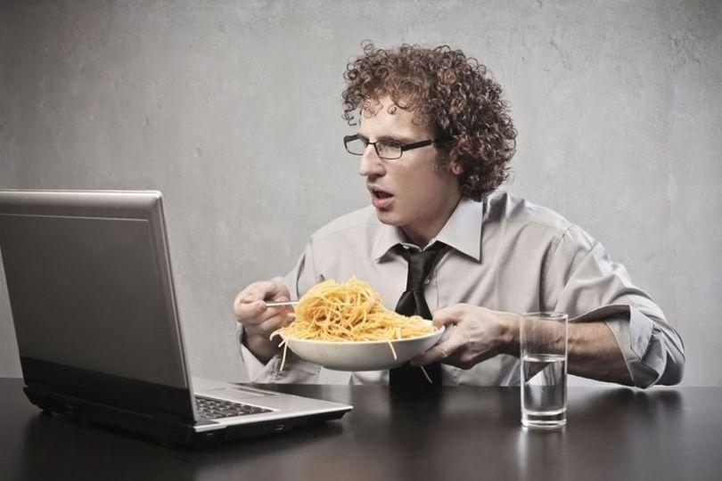 Homme – Alimentation - Spaghettis