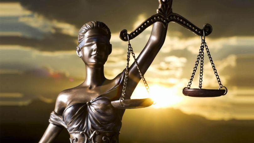Statue justice aveugle