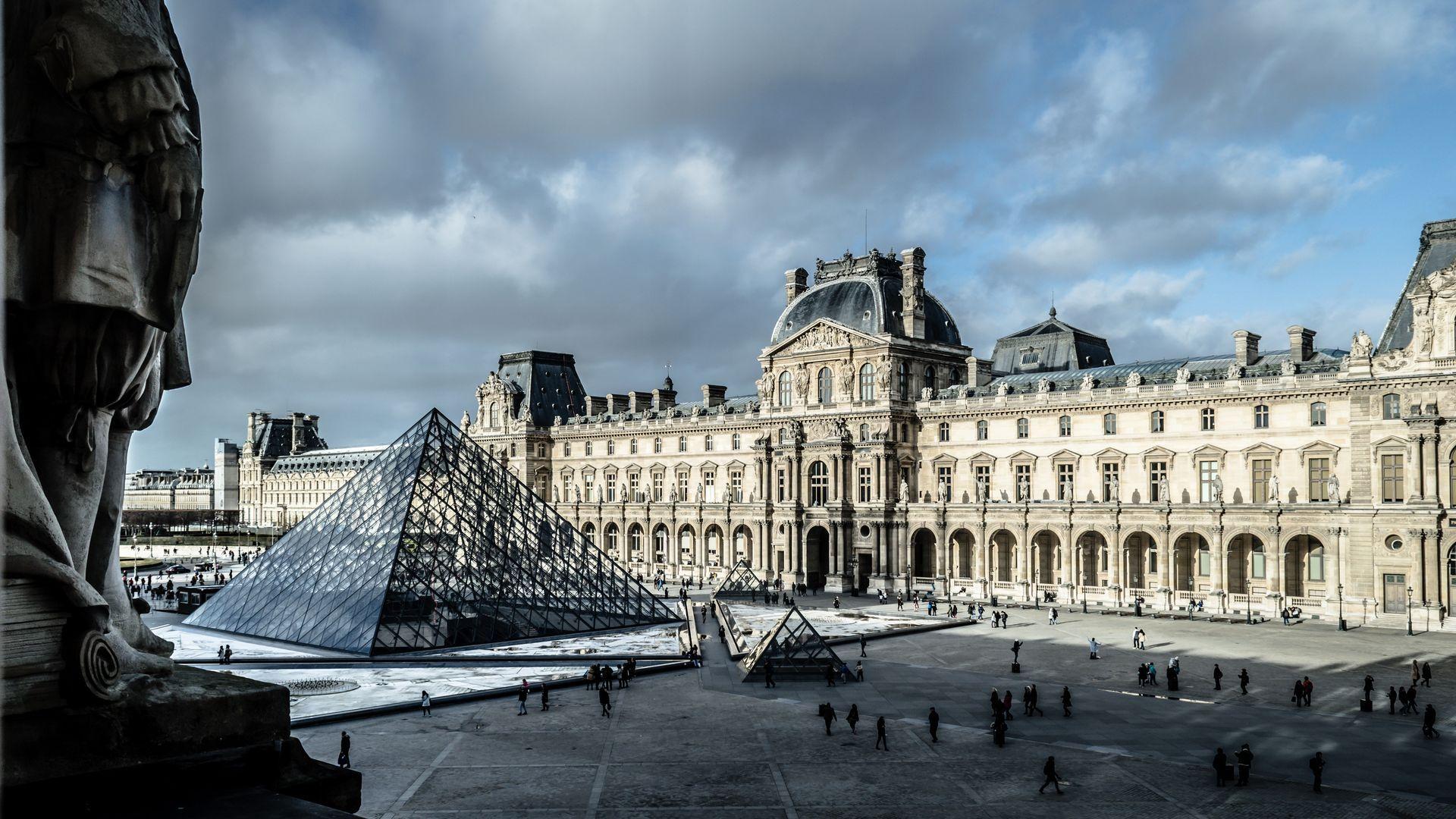 Comment est né le musée du Louvre à Paris ? (Vidéo)