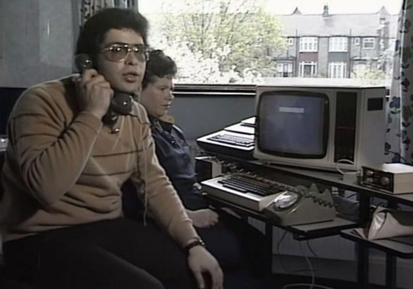 Homme - Ordinateaur - 1984