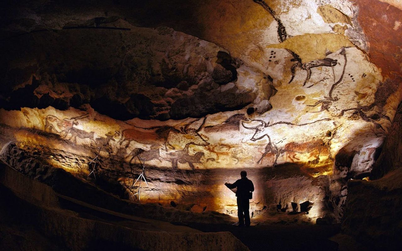 datant des peintures rupestres de Lascaux animal militant datant site