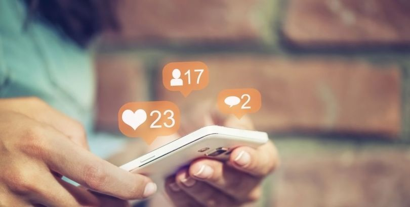 Smartphone – Médias sociaux - Like
