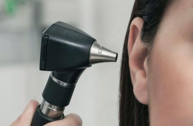 femme - asie - oreille – 2