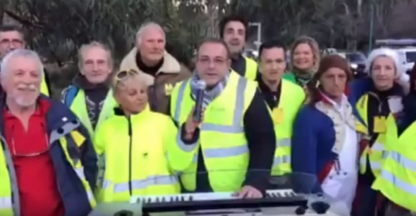 gilets jaunes - yellow vests movement - nwo