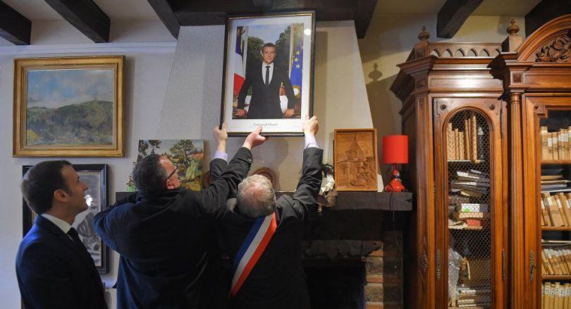 Portrait Emmanuel Macron - 1