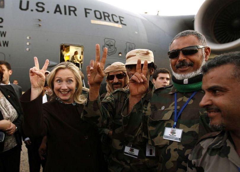 Hillary Clinton & Les Responsables Terroristes ISIS (Octobre 2011)