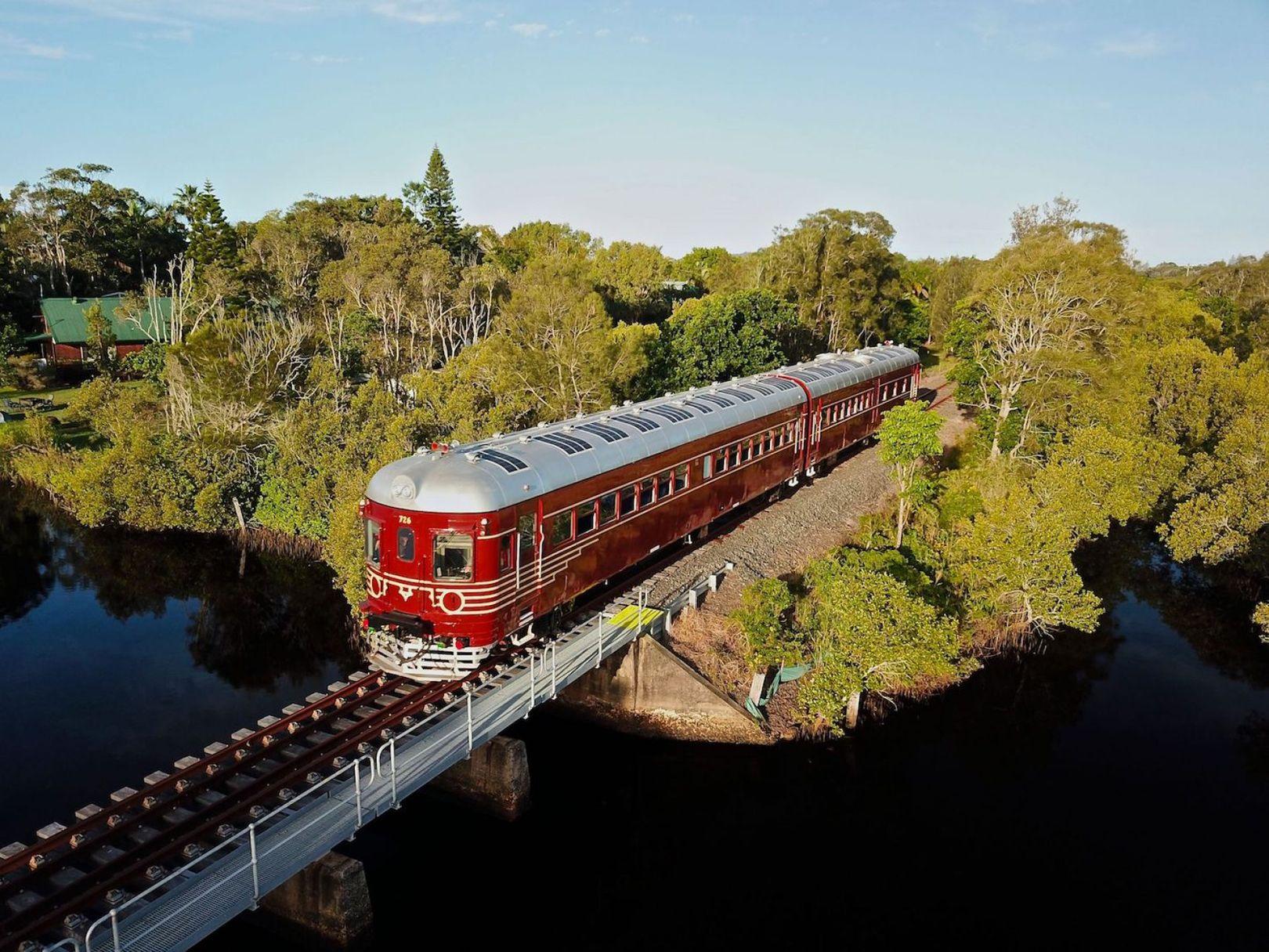 Australie : ce train fonctionne uniquement à l'énergie solaire [Vidéos]