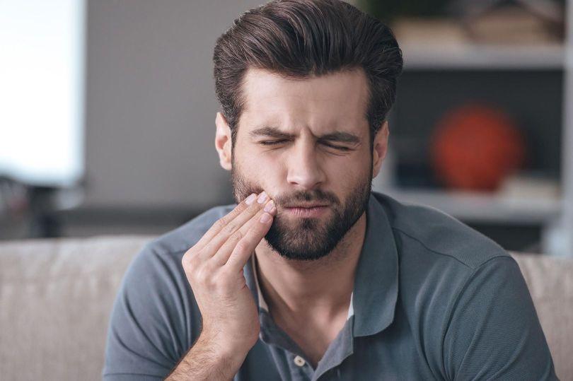 Douleur bouche - Homme