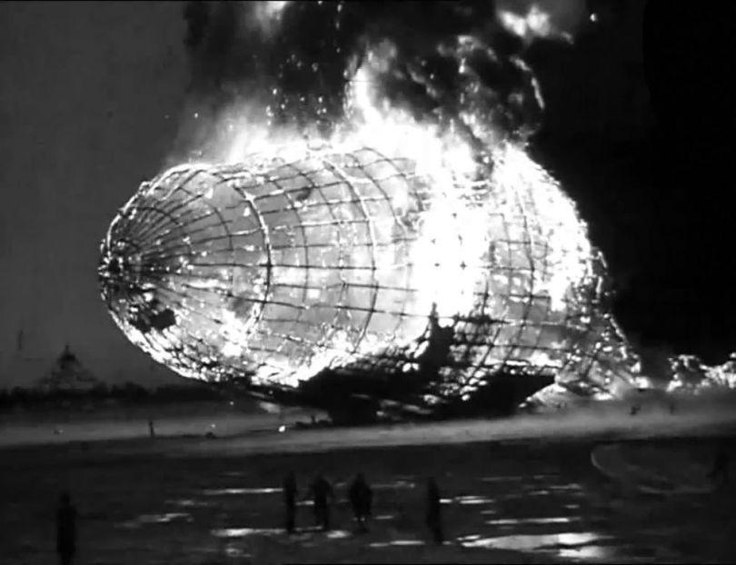 Zeppelin Hindenburg - 2