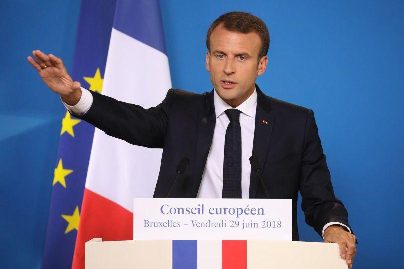 Macron - 3