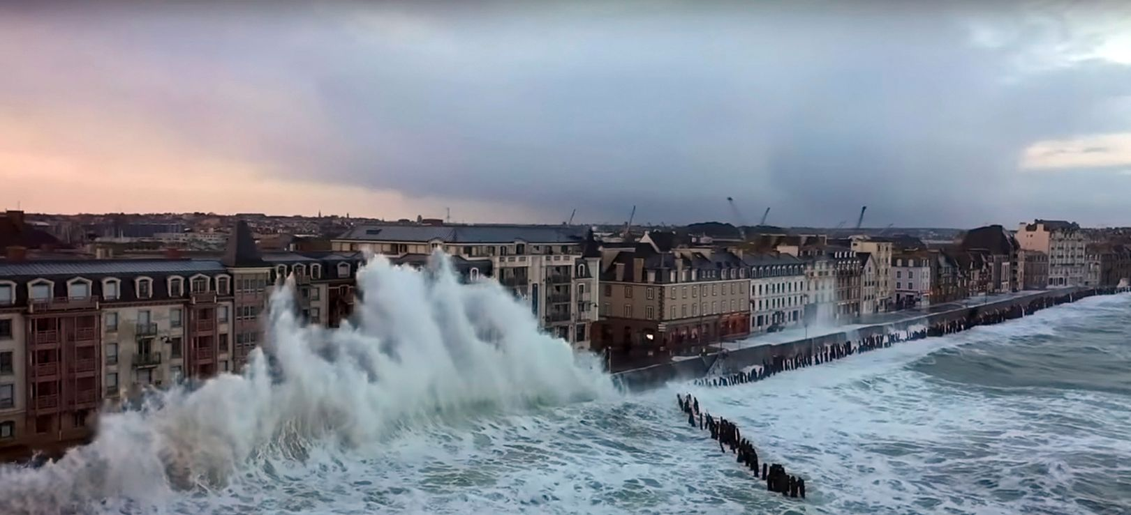Drone in storm Ciara | Saint-Malo [Videos]
