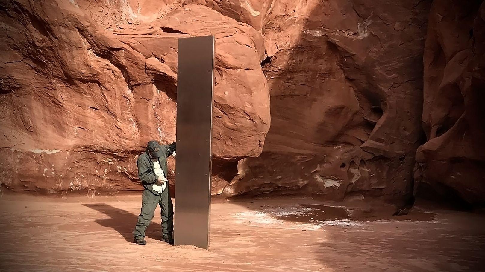 États-Unis | Utah : un mystérieux monolithe de métal découvert dans le désert [Vidéos]