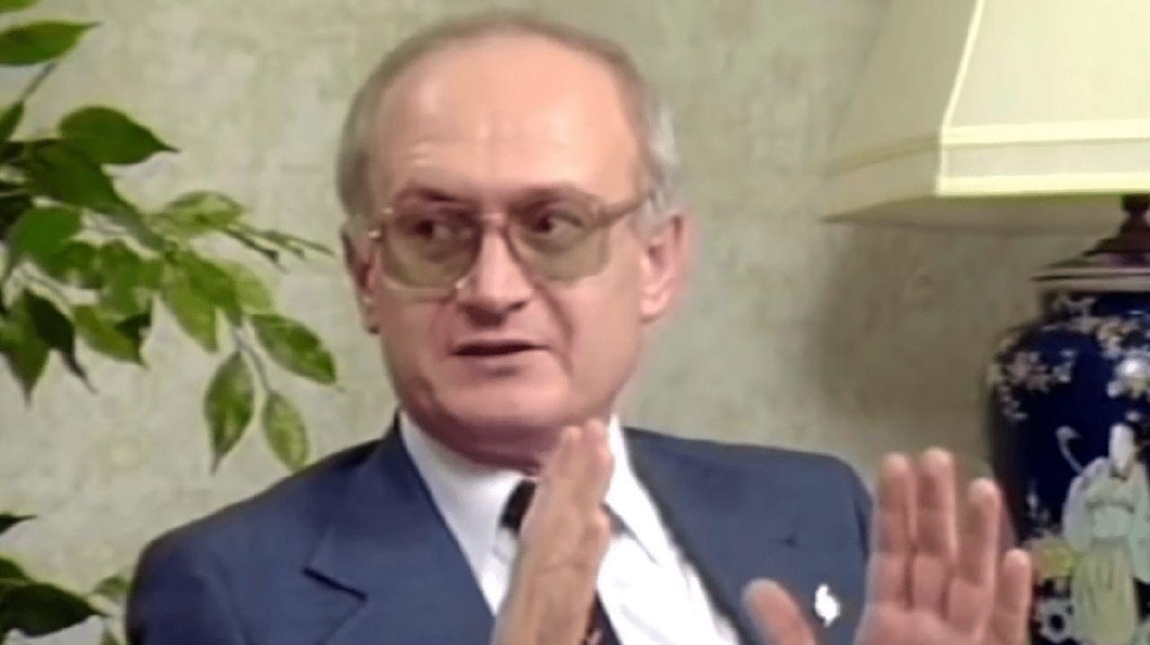 « La tromperie était mon métier », Yuri Bezmenov, ex-agent KGB [Vidéo]