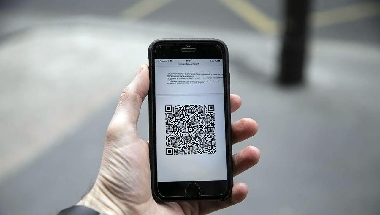 Application TousAntiCovid : Le gouvernement va rendre obligatoire les QR codes à scanner dans les lieux accueillants du public [Vidéo]