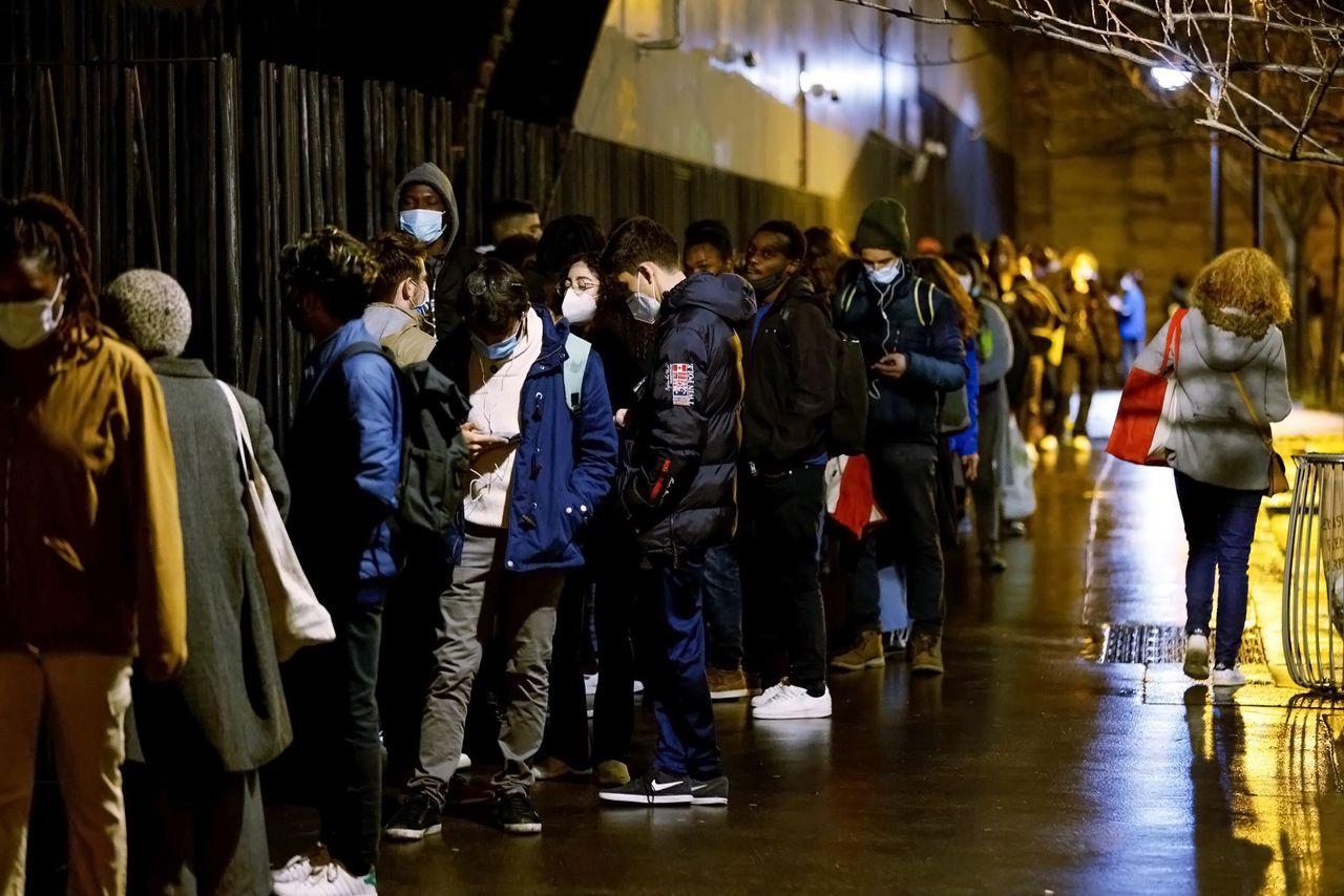 « On ne va pas leur donner la becquée ! » : En Marche refuse le RSA pour les jeunes – François Ruffin